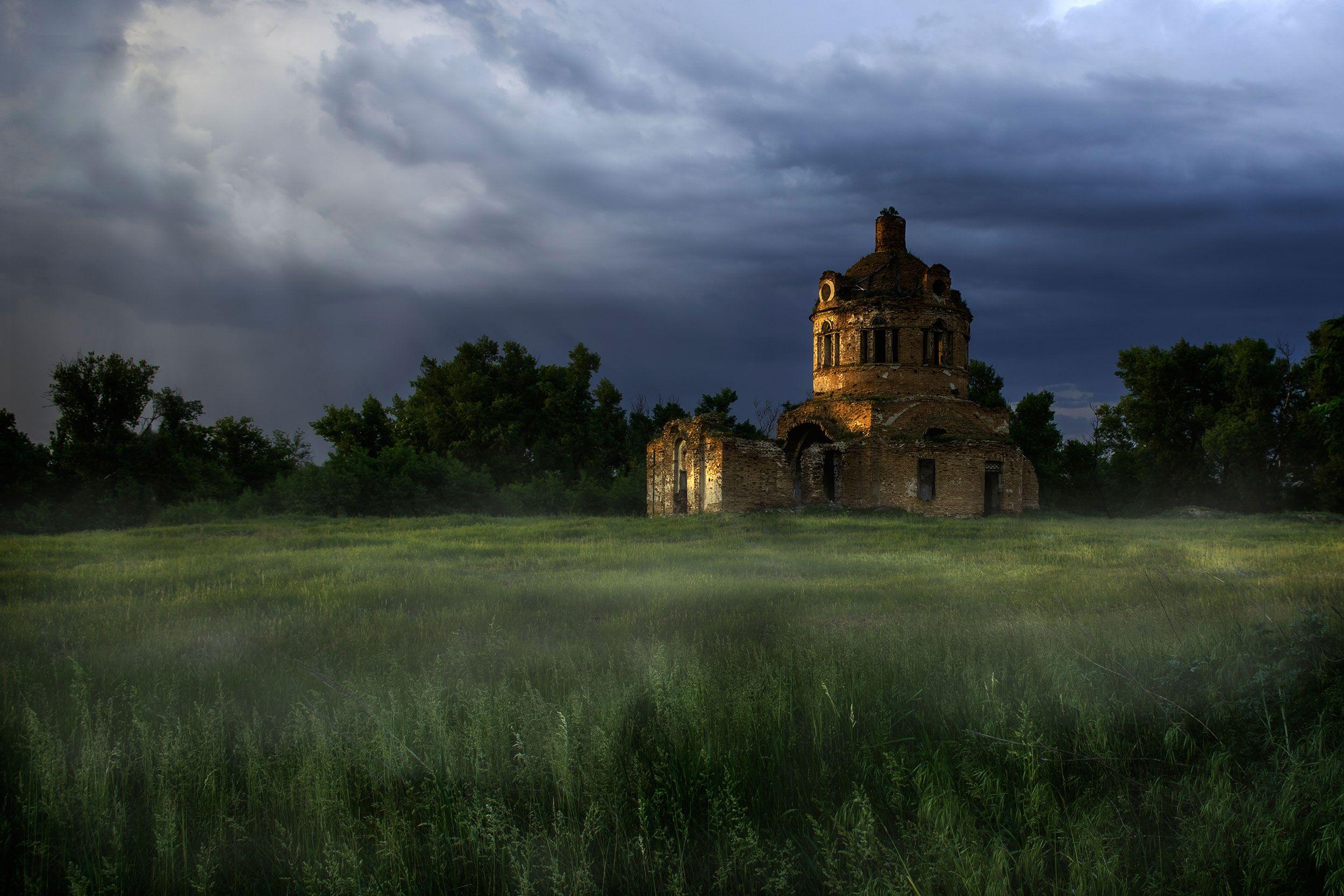 фишки нет фото одинокой заброшенной церкви скрыть следы