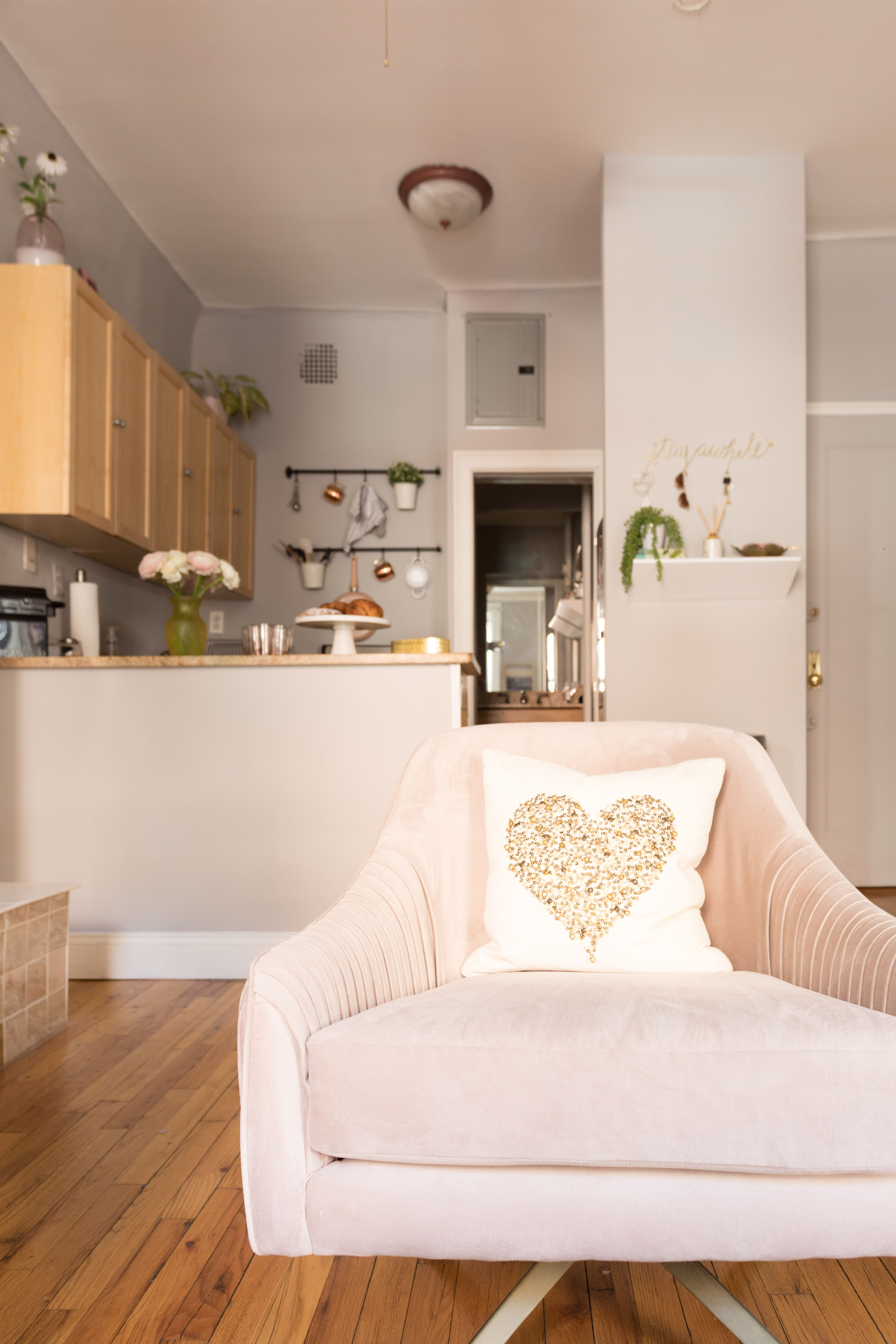 House Tour: A Cute 325 Square Foot NYC Studio | Apartment Therapy