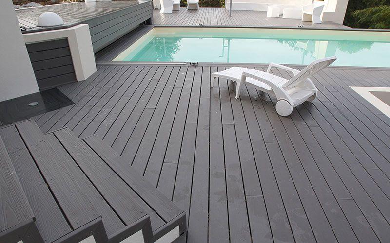 Tarima exterior color gris para combinar con su piscina - Tarima gris ...