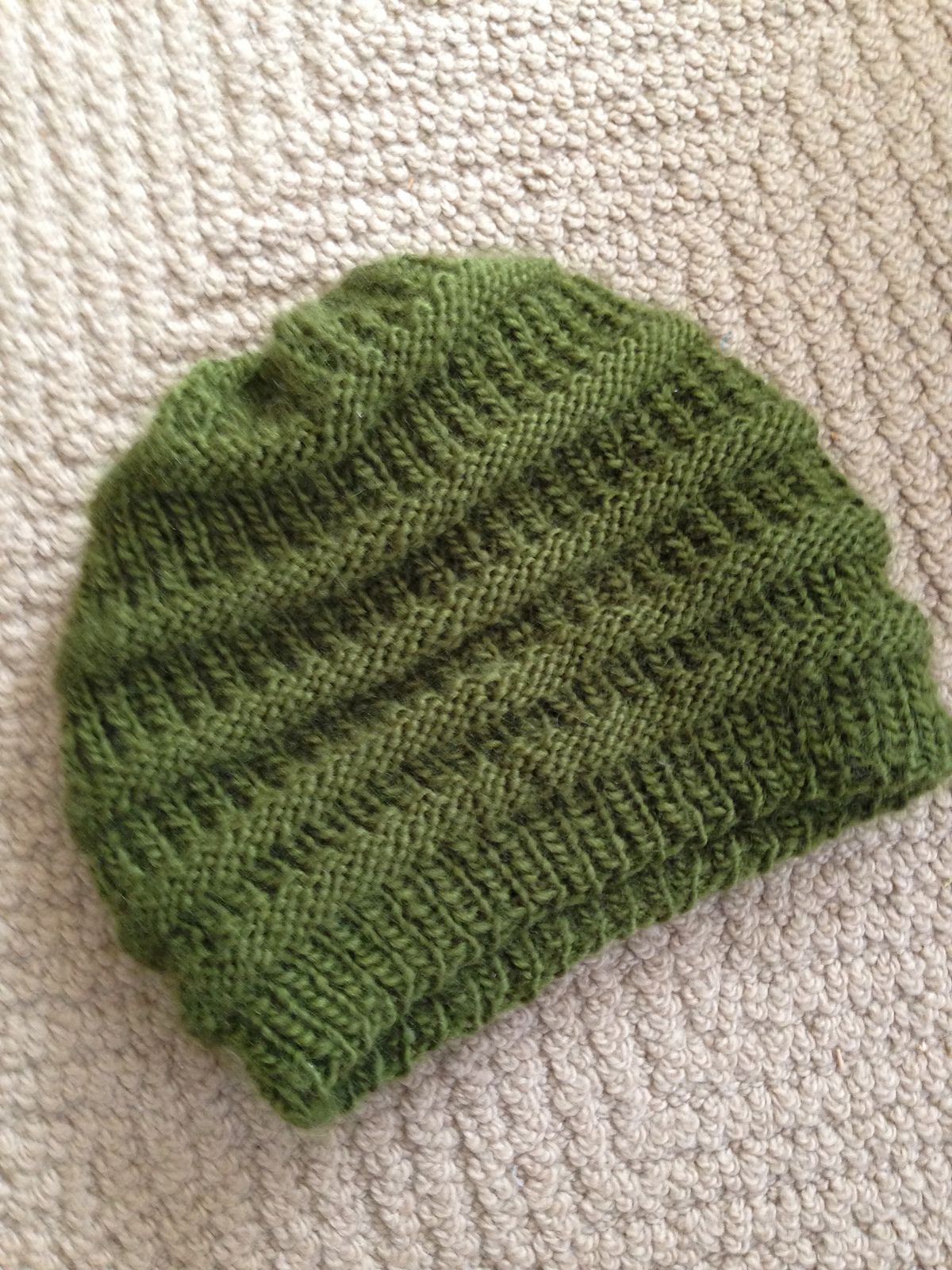 Ravelry: Easy Knit Slouchy Beanie by Siobhan McRee | Knitting ...