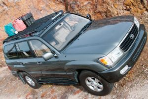 View Toyota 100 Series Land Cruiser Installing Roof Rack Photo 49594163 From Bajarack And Metal Tech 4x4 Ro Land Cruiser Rock Sliders Toyota Land Cruiser 100