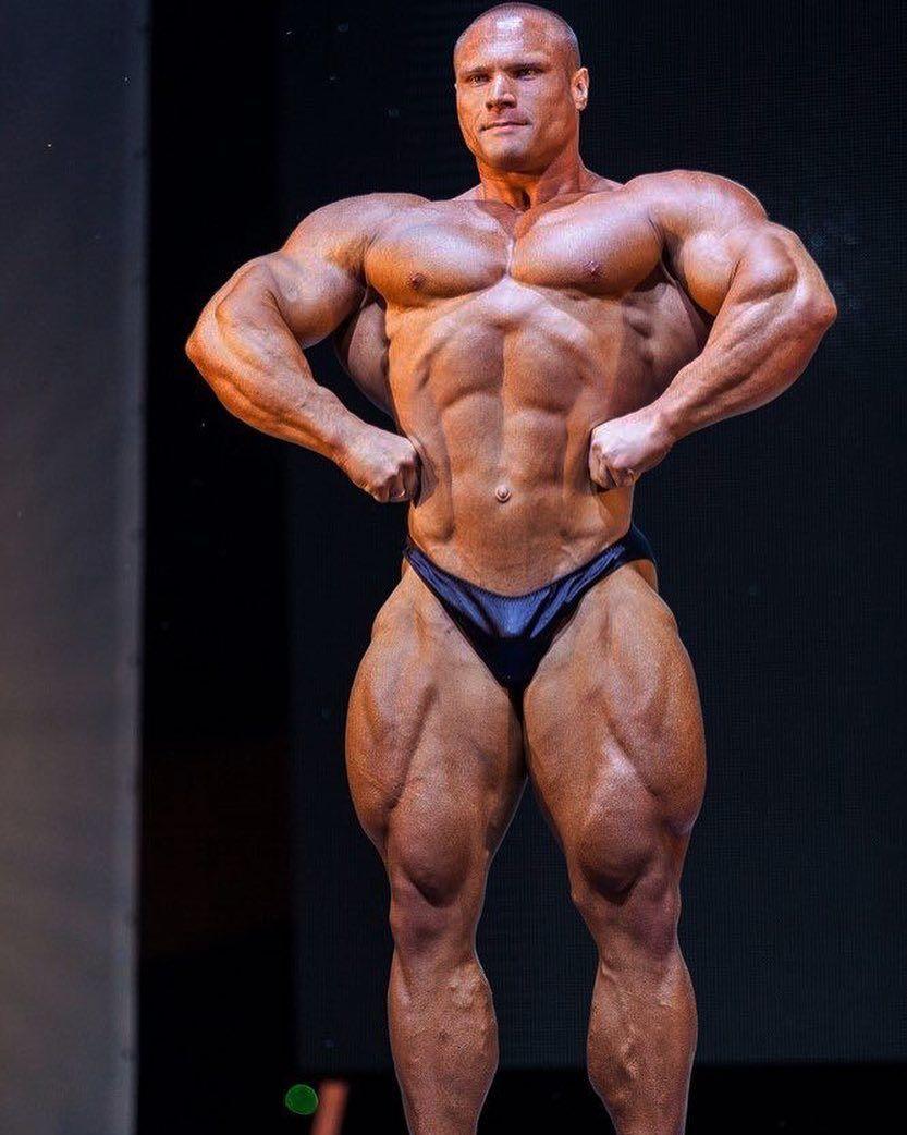 celebrated ifbb pro bodybuilder - HD833×1042