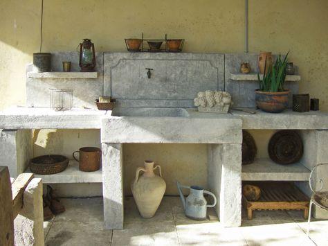 Une très belle cuisine d\u0027été créée de toutes pièces dans nos - Cuisine D Ete Exterieure En Pierre