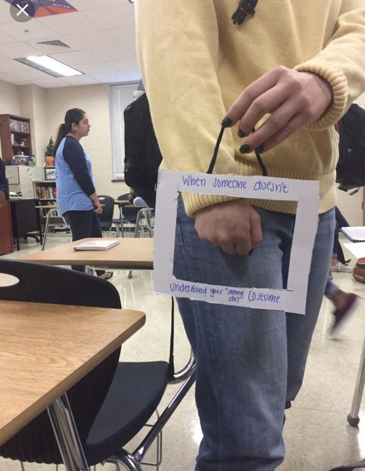 Pin By Selena On Meme Dress Up Shopping Paper Shopping Bag Shopping Bag