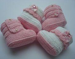botinhas de croche Despojos Para Bebê De Crochê 6b6f6bd83b6