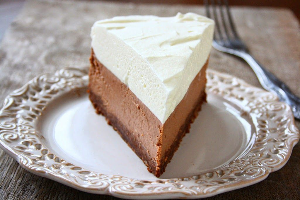 Milk Chocolate Cheesecake With Images Sour Cream Chocolate Cake Chocolate Cheesecake Sour Cream Cake