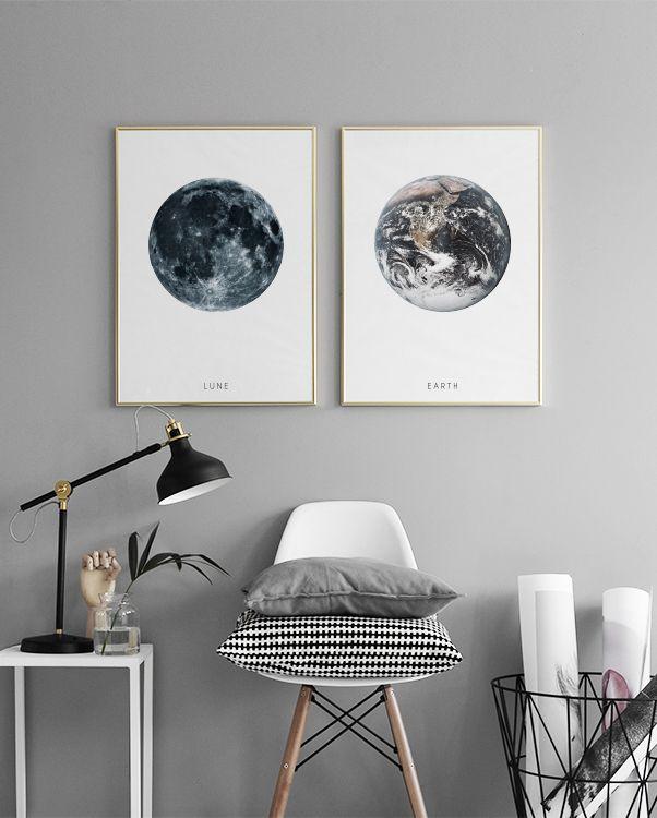 Poster Mit Kunstmotiven In Einer Schönen Bilderwand Im Schlafzimmer