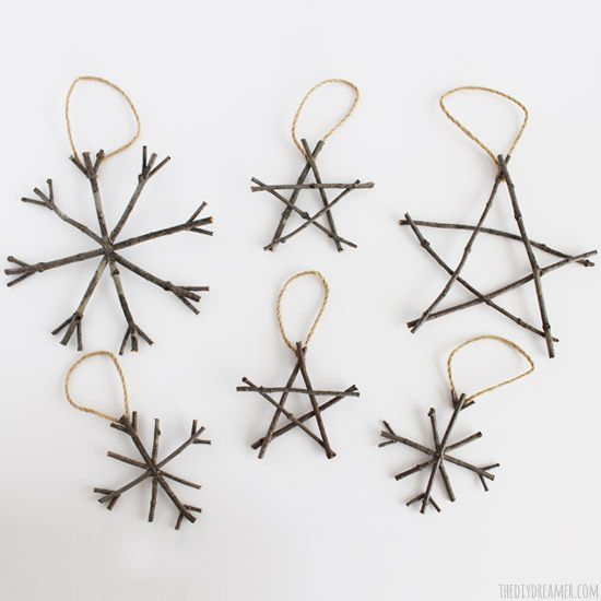 Rustic Twig Christmas Ornaments - Rustic Christmas Ideas! #rusticchristmas