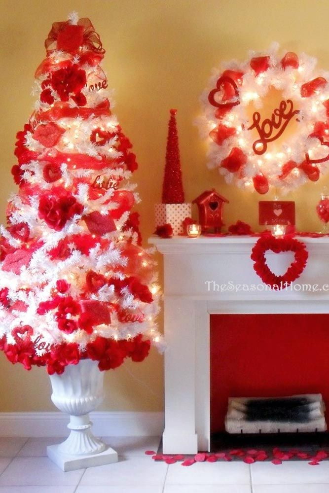 February 14 decorations can inspire him to be more romantic, as well, or at least to buy you many nice gifts. Click to see our decoration ideas for Valentine's Day.