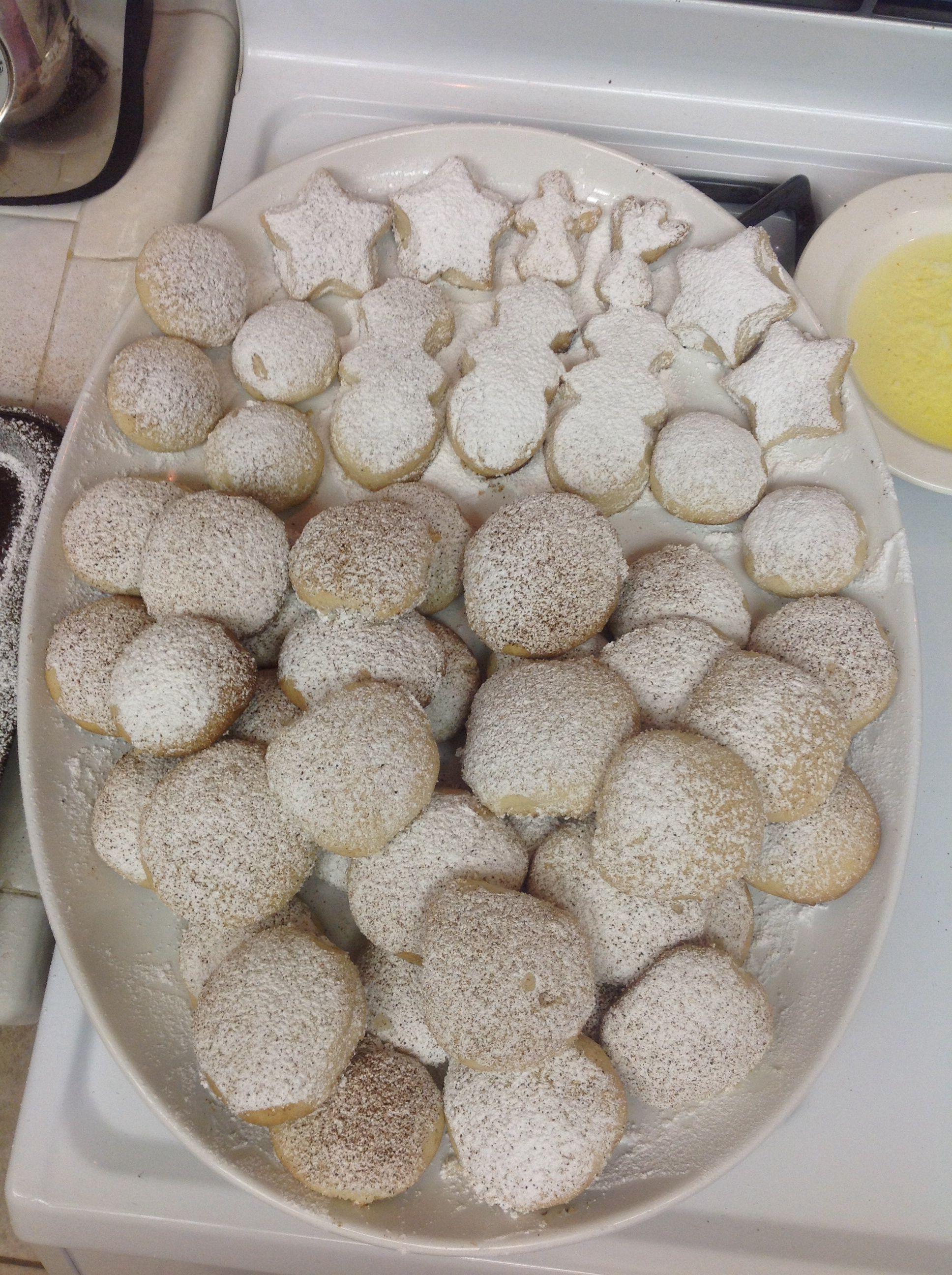 Bizcochos, polvorones, mexican wedding cookies, anise