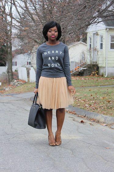 040001d91 Sweatshirt and skirt. | WhatWouldZooeyWear? | Fashion, Style, Work ...