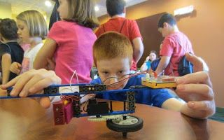 Praises of a Wife and Mommy: ROBOTS-4-U Summer Camps Now Enrolling