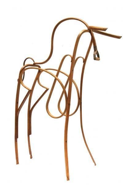 elegantes animales creados con muebles viejos los muebles que acaban en la basura o en