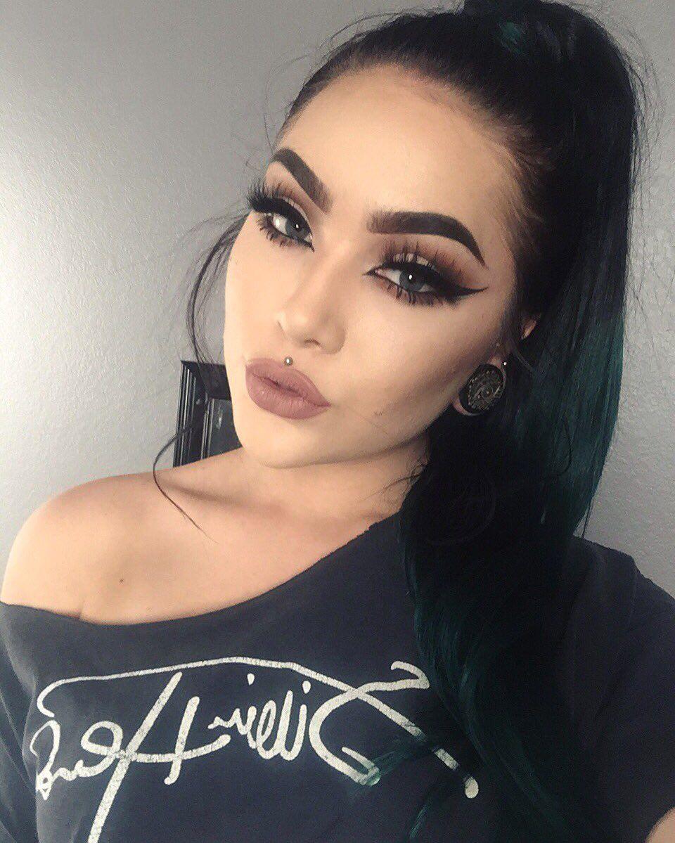 Follow Me To Beauty Ashley Kalon Found Kalonfound
