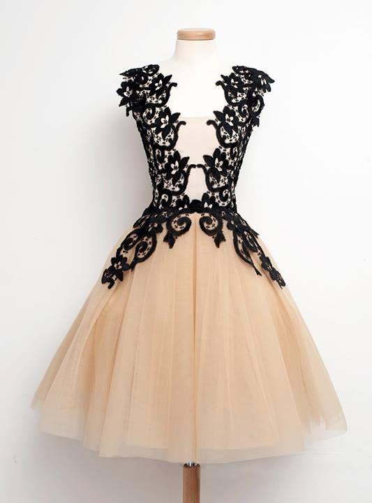Black lace short weddingdress