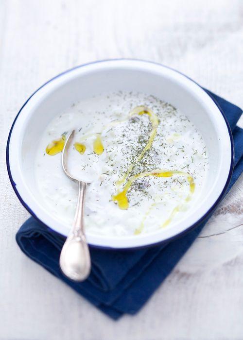 Tarator (zuppa bulgara di yoghurt, cetrioli e noci)
