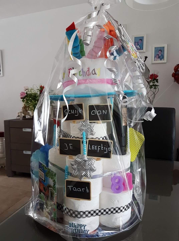 Schijt aan je leeftijd taart cadeau ideetjes taart for Geen cadeau voor verjaardag