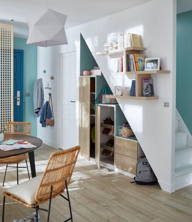 dans cette entr e qui donne directement sur la pi ce vivre aucune place perdue et tout. Black Bedroom Furniture Sets. Home Design Ideas