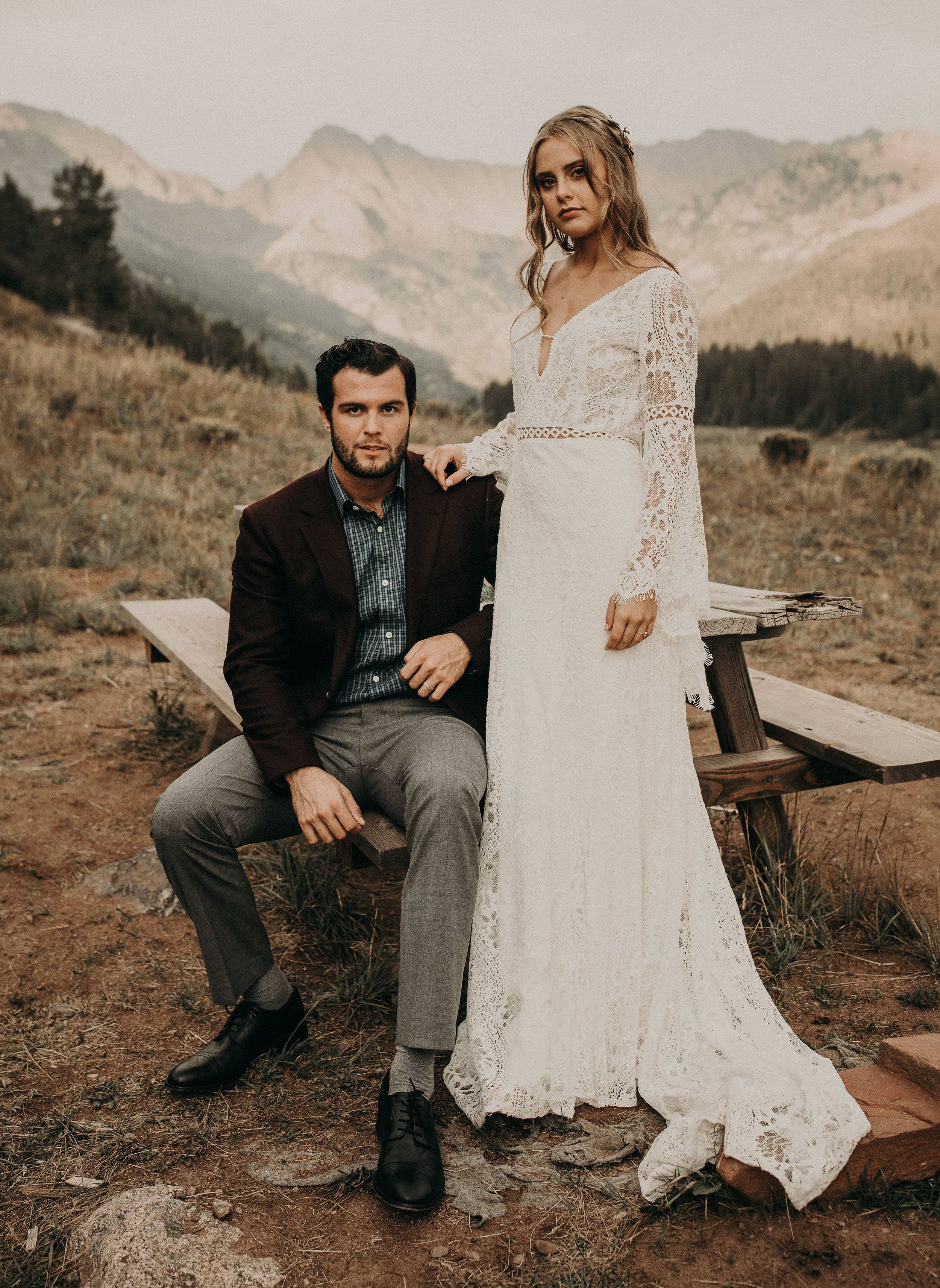 Trending Western vintage wedding dresses