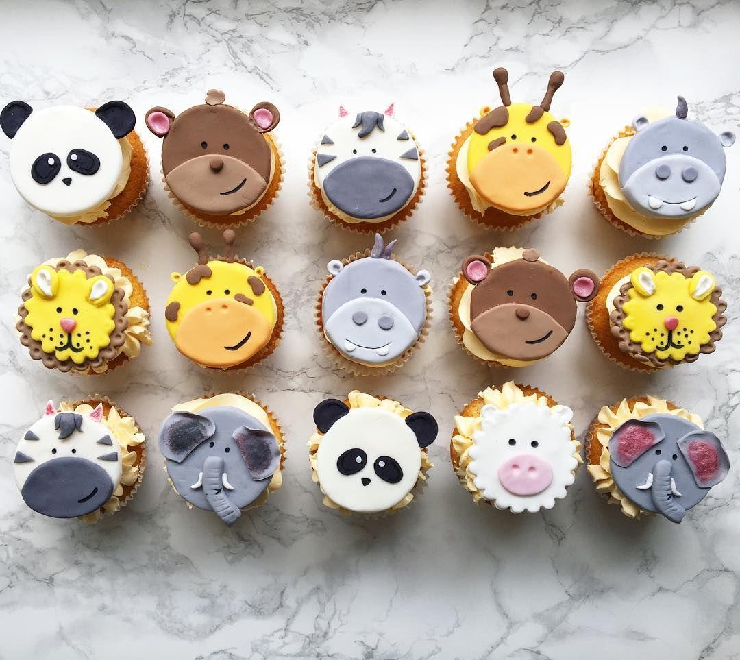 Tierische Cupcake Familie Cupcakes Muffins Fur Den Kindergeburtstag Thema Zoo Tiere Animal Cupcakes Fondant Cake Designs Christmas Cocktails Recipes