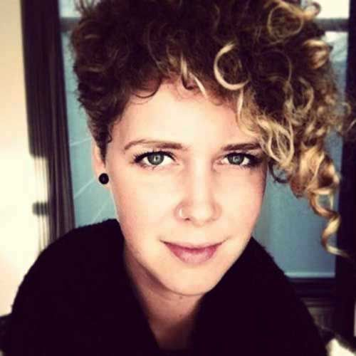 Pixie Curly Highlights HAIR Pinterest Curly Pixie Hairstyles - Styling curly pixie