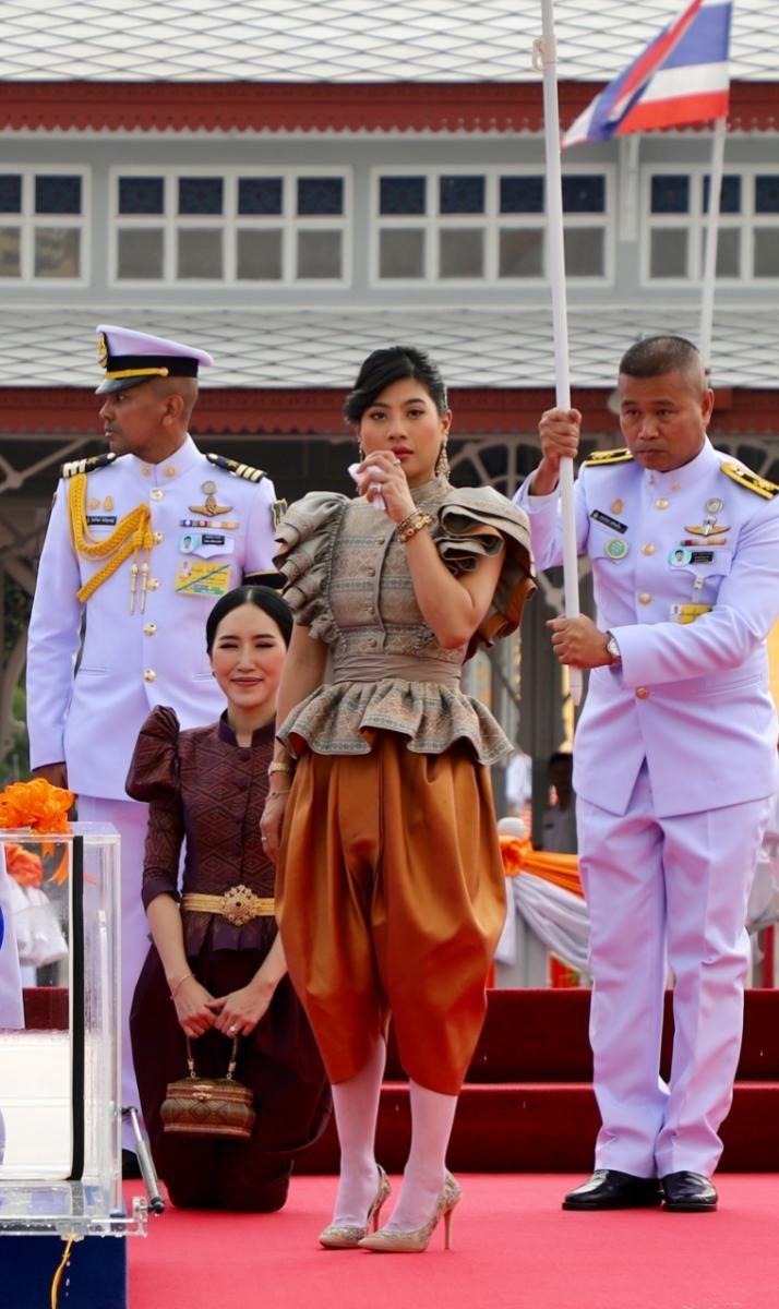 ปักพินโดย Nootty ใน Thai Dress | ไทย
