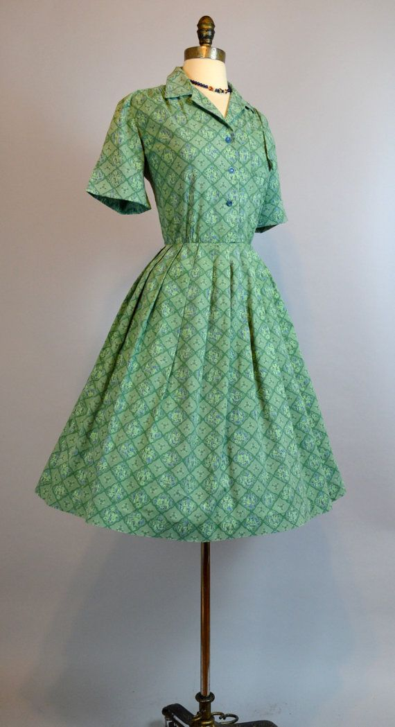 The Green Taj Vintage 50s Novelty Print Shirt by labellevintage