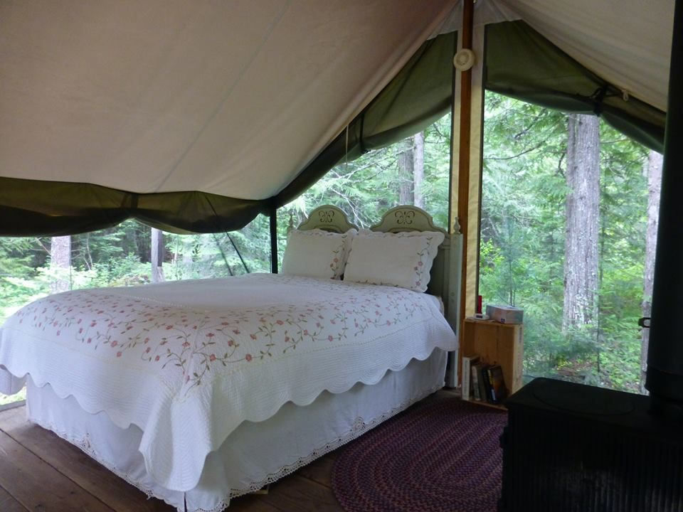 a canvas platform wall tent in the woods & a canvas platform wall tent in the woods | Camp Moonan | Pinterest ...
