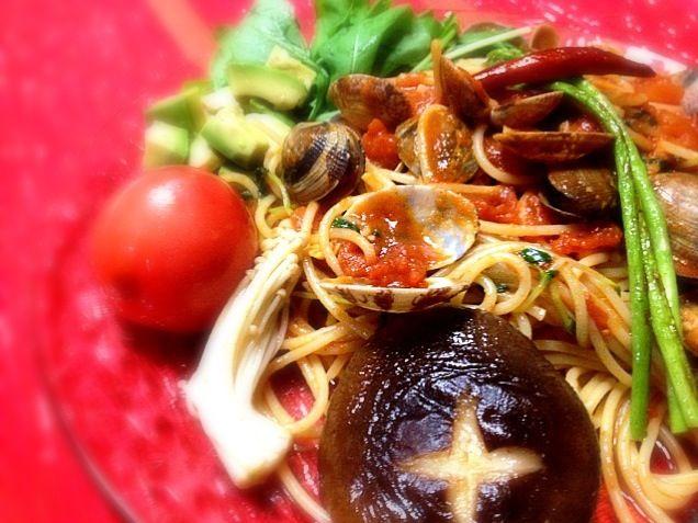 お腹ぺっこりで、盛りもりワンプレート( ̄(工) ̄*)ふっ - 34件のもぐもぐ - 野菜好きさんのアサリとトマトのパスタ by chinmi