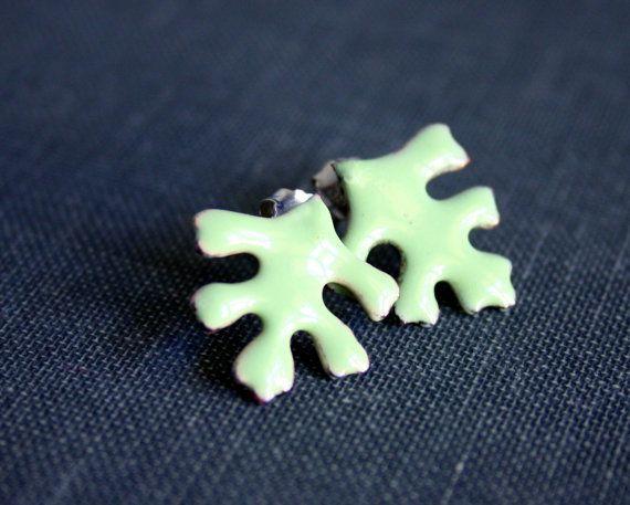 Enamel stud earrings in mint green color! #etsy #handmade #enamel #stud