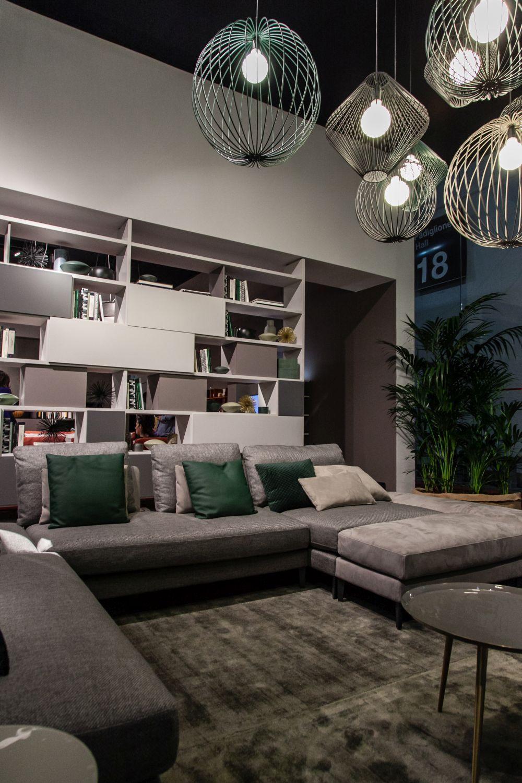 Moderne Schnittsofas Mit Einem Knack Fur Das Schauen Stilvoll Dekoration Stil Living Room Lighting Living Room Light Fixtures Ceiling Lights Living Room