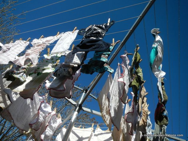 How To Use A Portable Clothesline To Hang Clothes To Dry Outside