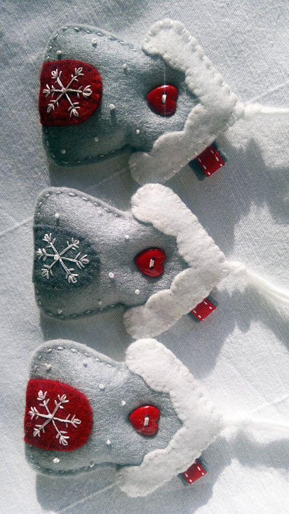 Dark Gray Felt Appliqu\u00e9 Hand Stitched Medallion Christmas Tree Ornament