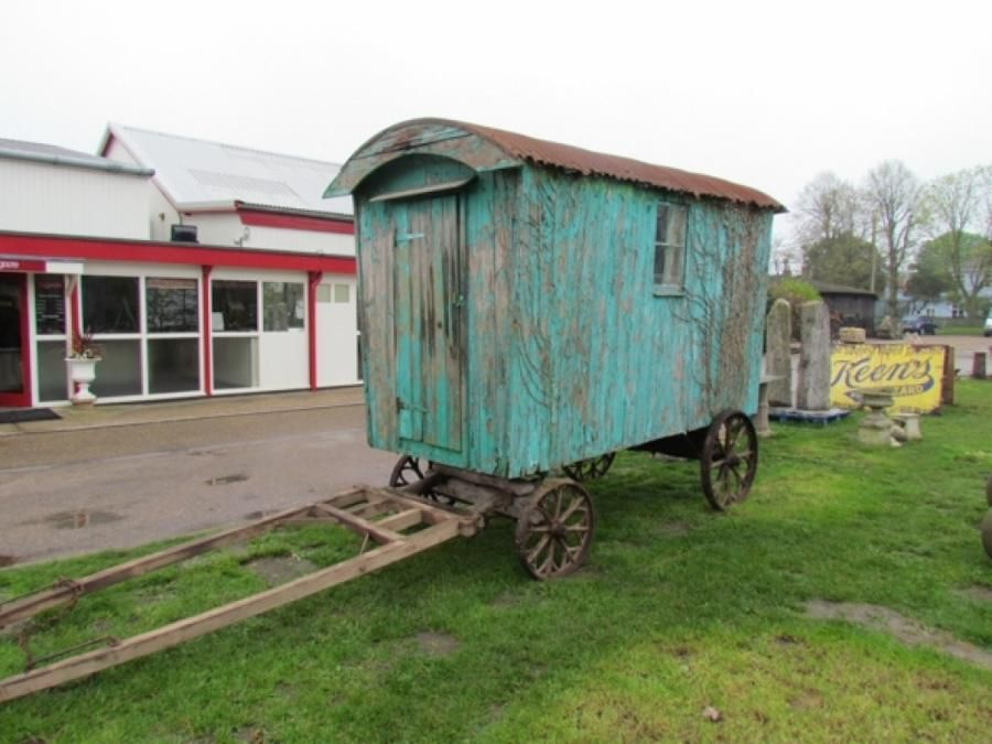 Shepherd 39 s hutastic 10 500 at gaze bygones sale were you raised in a barn er - The mobile shepherds wagon ...