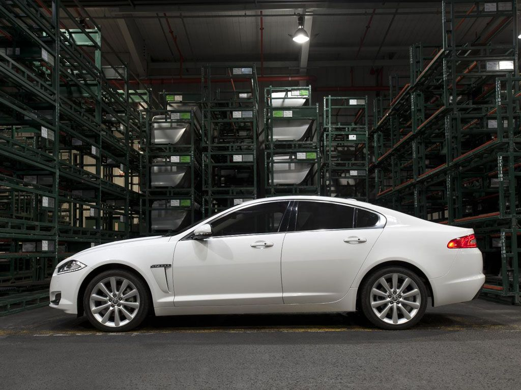 l xf image door exterior sedan angular supercharged jaguar rear view