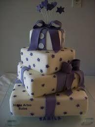 Resultado de imagem para bolo fake 15 anos