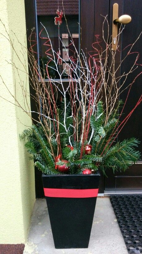 Decorate the front entrance