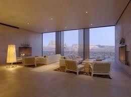 INT HOTEL ROOM