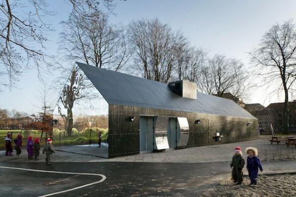 Haus Mit Verspiegelter Fassade Kopenhagen | Architektur ... Glas Fassade Spiegelfassade Baumhaus