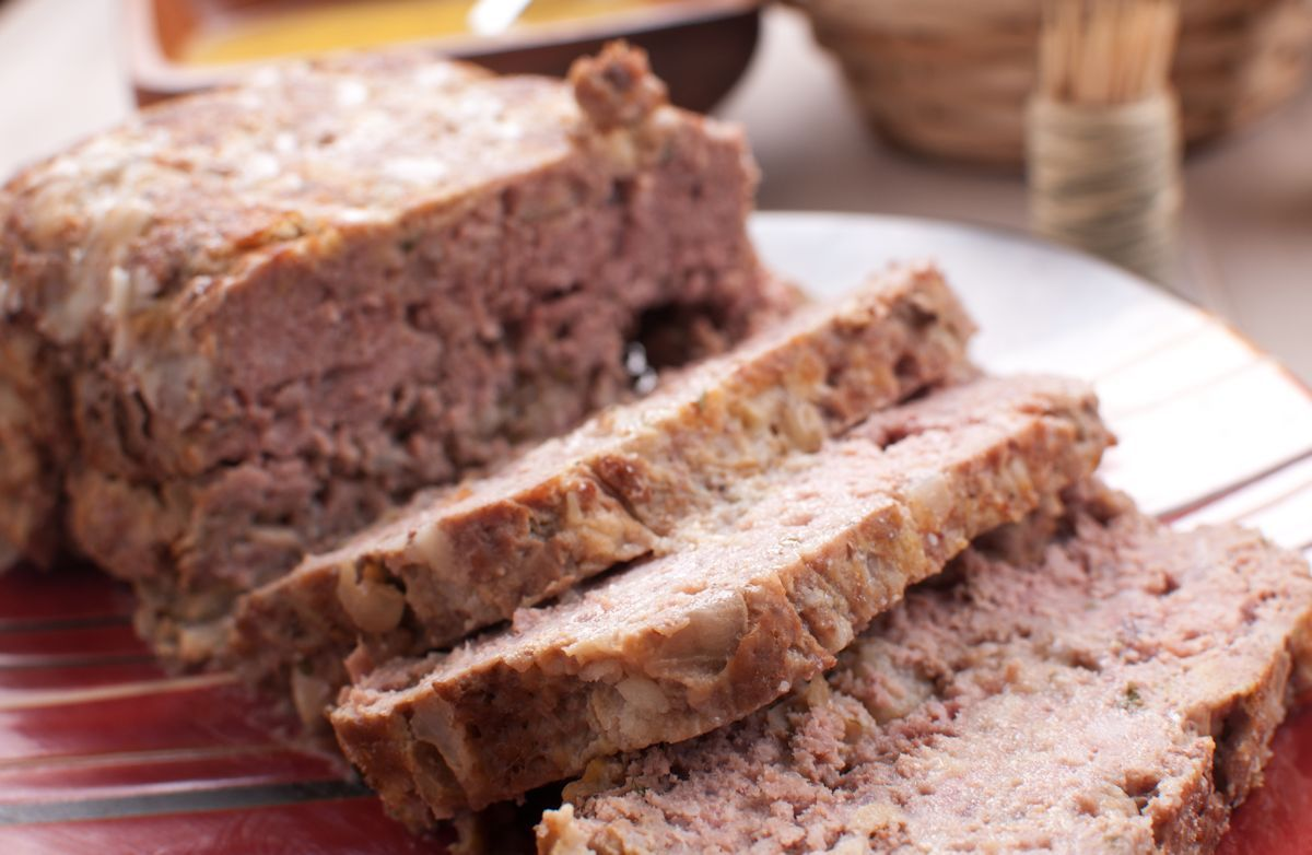 Meatloaf With Applesauce Recipe Recipe Meatloaf Recipes Apple Sauce Recipes