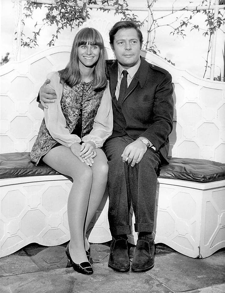 LAS FOTOS DE LAS ESTRELLAS: Marcello Mastroinanni junto a Rita Tushingham.