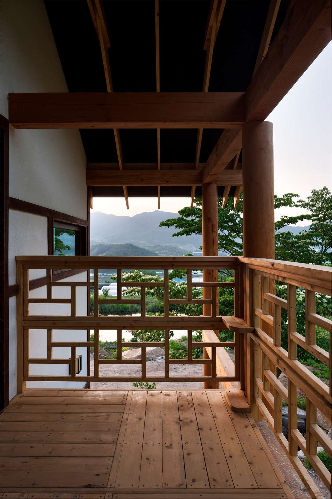 Neo traditional korean homes 6 modern updates on the vernacular style house in geochang