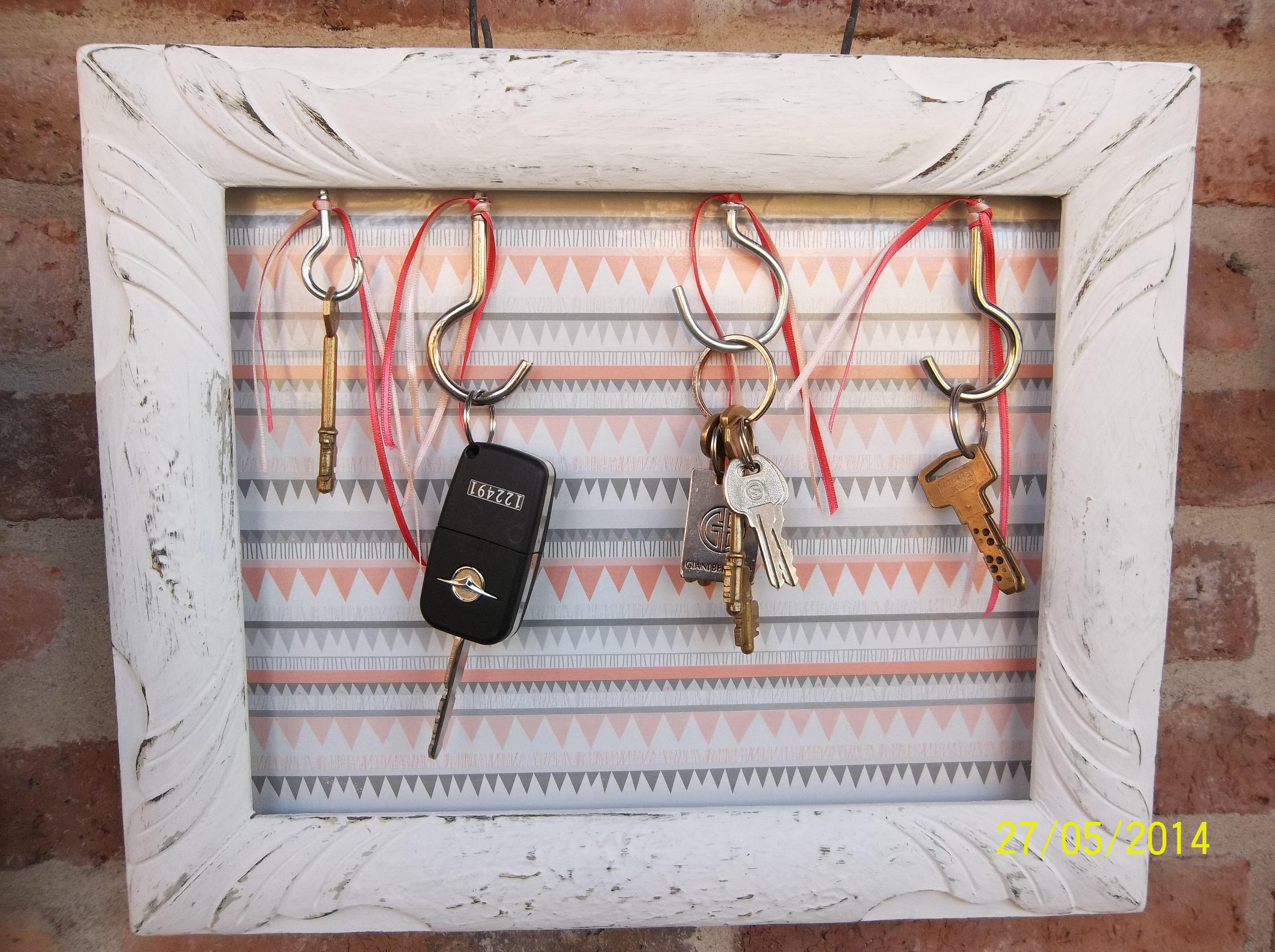 Marco reciclado como perchero para llaves. | marcos | Pinterest ...