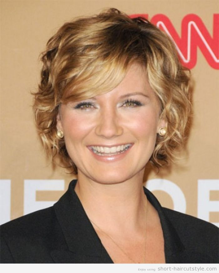 Short Haircuts For Round Faces 5 Short Hairstyles For Wavy