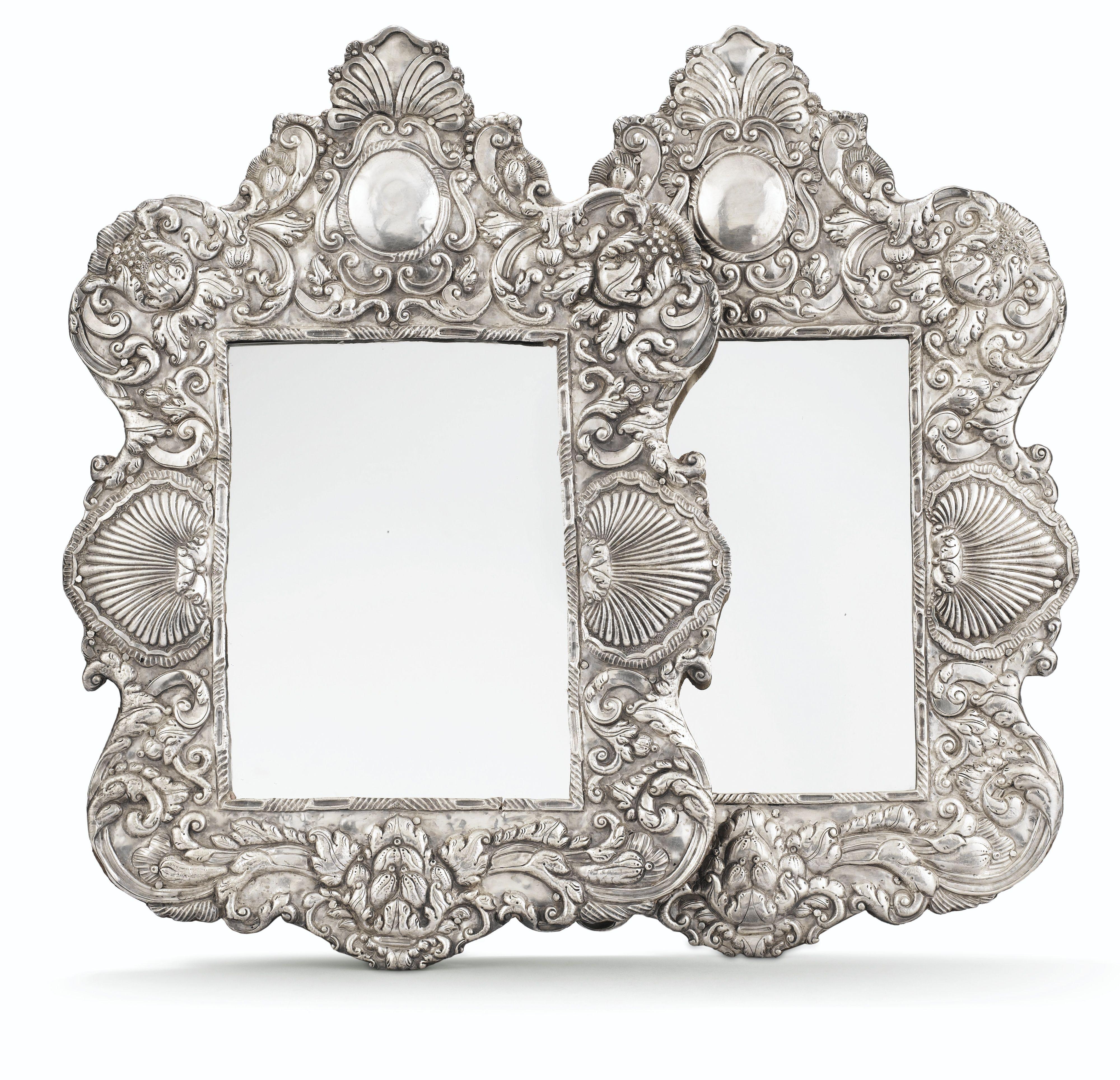 Paire de miroirs à cadre en argent, Amérique du Sud, XVIII<SUP>e ...