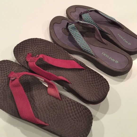 2238033bbf08e Two Nearly New Pairs of Rafters Flip Flops! Only worn a couple times. Virtually  no wear. The blue pair has a more solid footbed. The Maroon pair has a soft  ...
