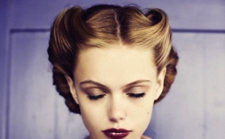 Lata 40 Fryzury Szukaj W Google Hair Fryzury Fryzura