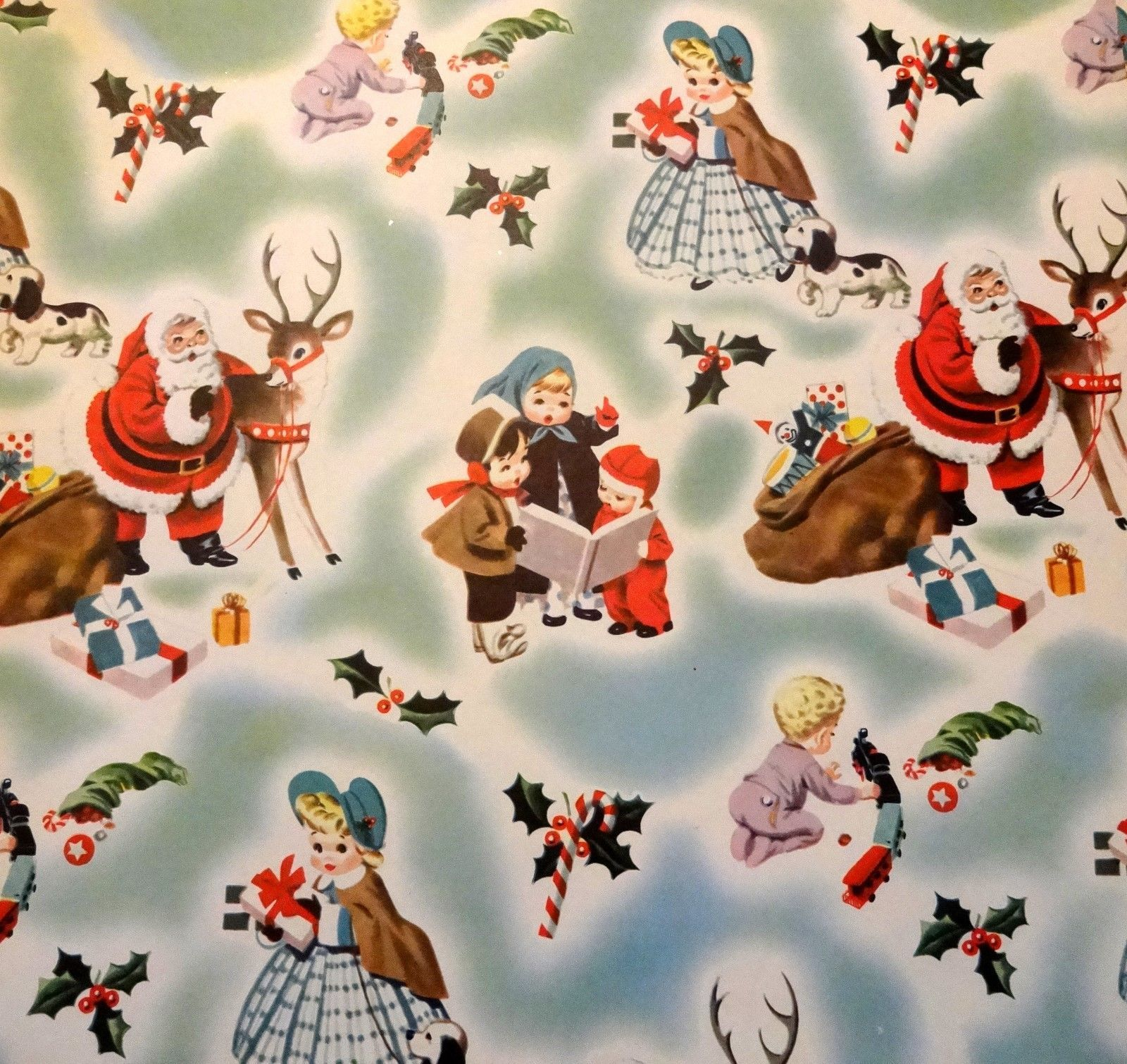 4 Yards 1950s Holly Vintage Wrapping Paper Red Green Traditional Christmas Gift Wrap Kitsch Retro Holiday Graphic Craft Scrapbooking 12 Feet