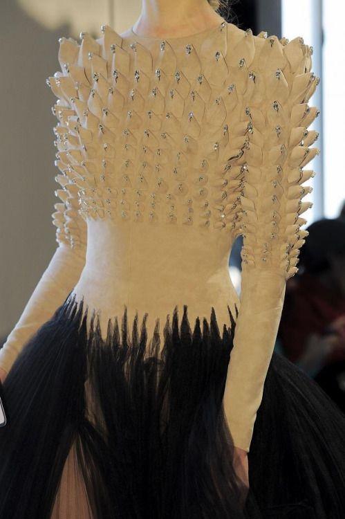 notordinaryfashion: Stephane Rolland Haute Couture Spring 2016