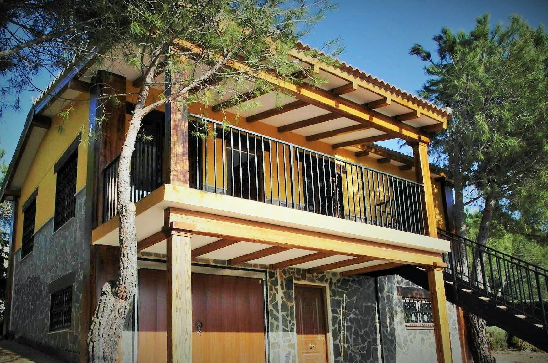 Casa prefabricada de hormigon con terraza a vistas - Casas de acero prefabricadas ...
